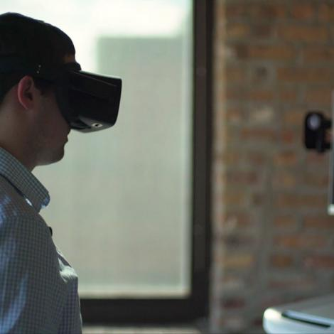 ImmersiveTouch's technology allows surgeons to practice in a virtual world. Photo: ImmersiveTouch