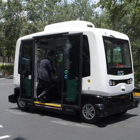 An outdoor demonstration of the EasyMile self-driving shuttle. Photo: AUVSI